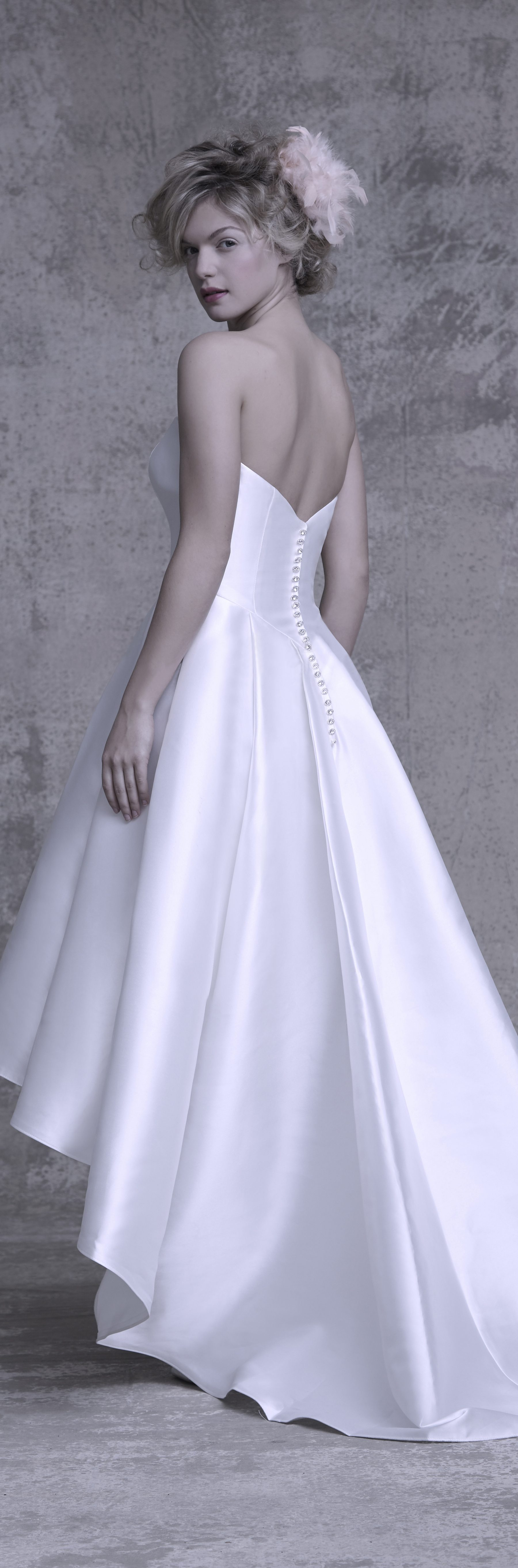Satin Wedding Dresses With Corset Back Ficts